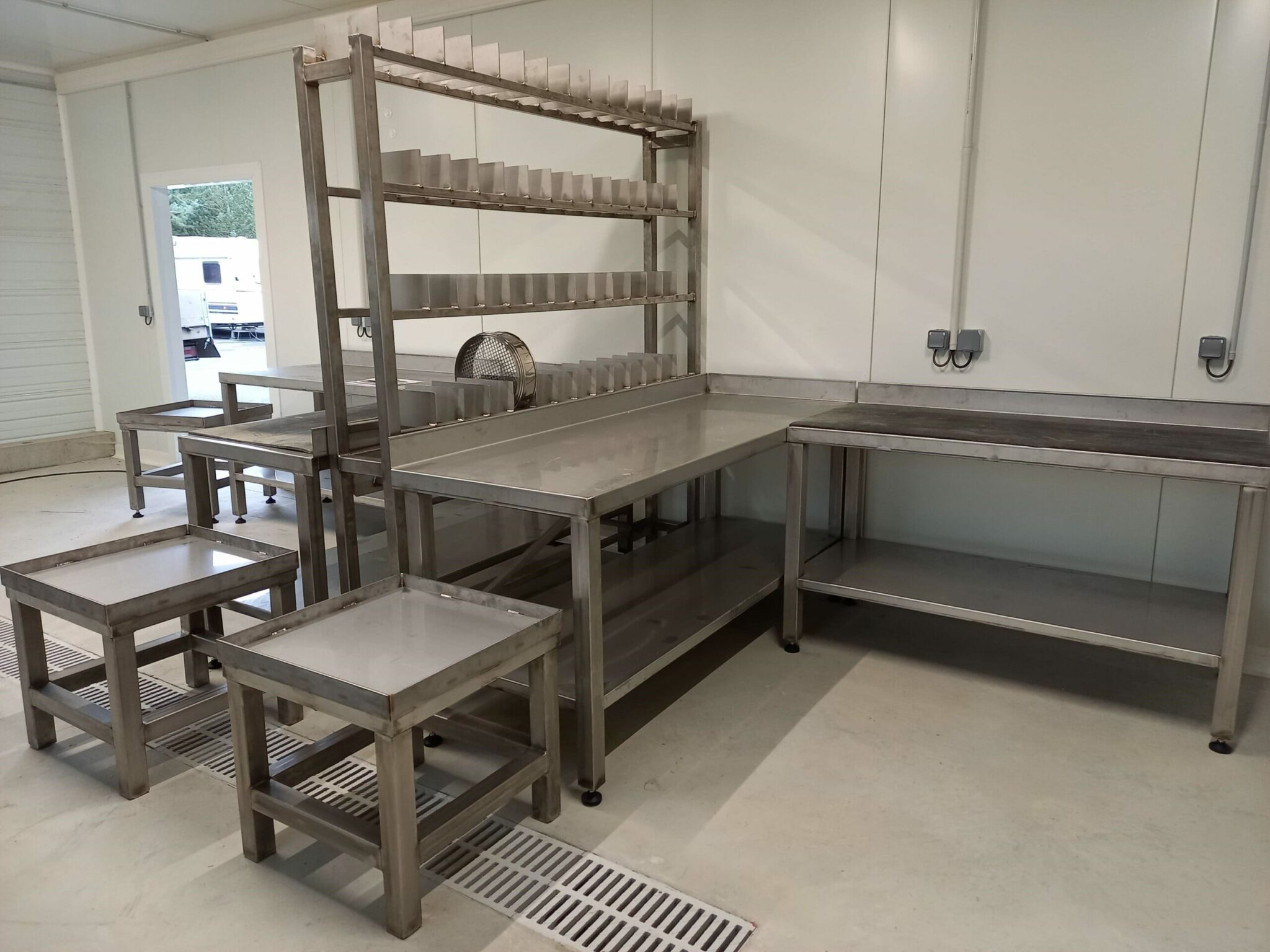 Table de laboratoire en inox sur-mesure